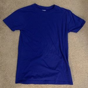 Urbain Outfitters basic blue t-shirt (small)